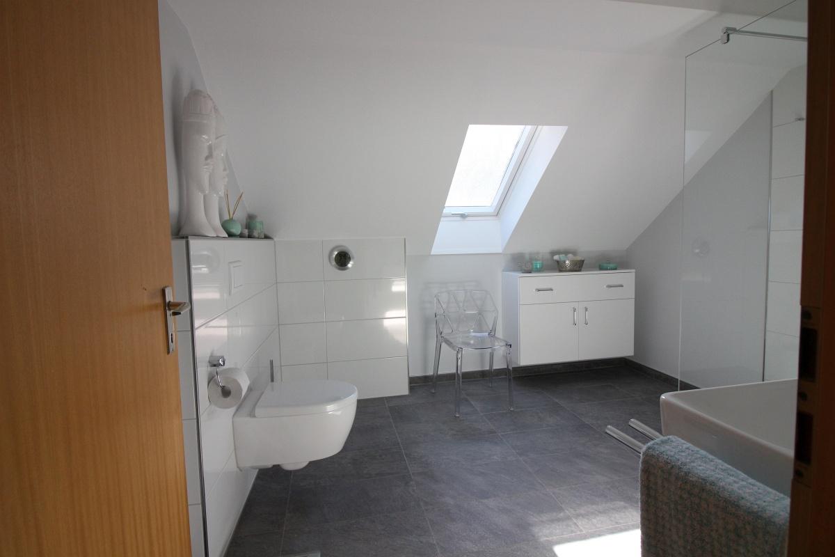 wir ber uns l cker heizung sanit r. Black Bedroom Furniture Sets. Home Design Ideas